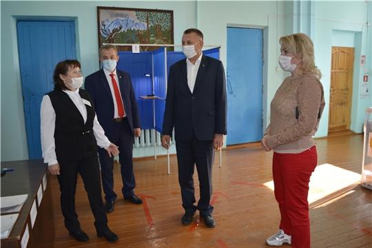 Руководитель Госслужбы Чувашии по конкурентной политике и тарифам Надежда Колебанова побывала на избирательных участках Яльчикского района