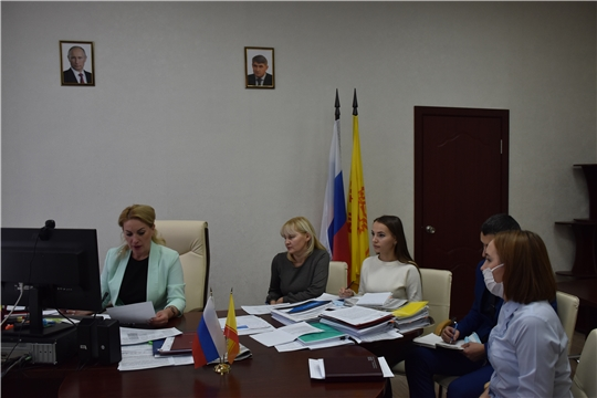Надежда Колебанова провела заседание Рабочей группы по рассмотрению причин возникновения задолженности заказчиков перед подрядчиками