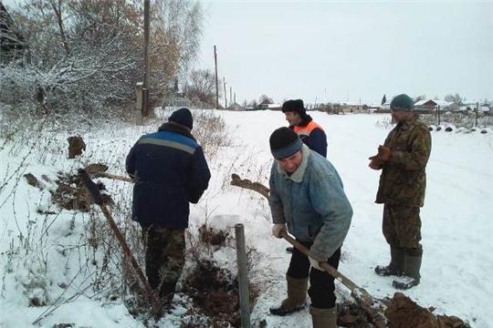 В деревне Козыльяры на улице Кубня отремонтировали водопровод
