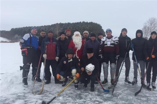 Судья по хоккею - Дед Мороз