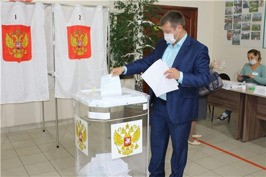 Глава администрации Урмарского района принял участие в голосовании по выборам Главы Чувашской Республики и в органы местного самоуправления Урмарского района