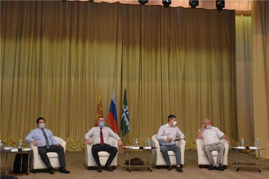 В Вурнарах состоялась встреча с кандидатами на пост Главы Чувашии