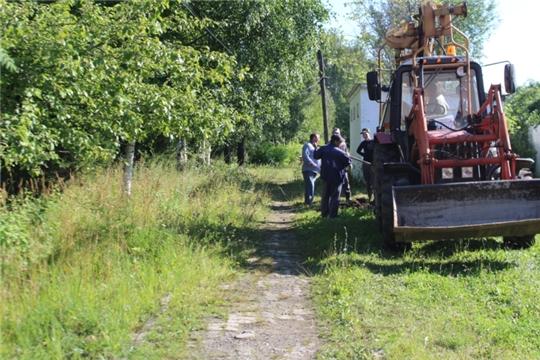 В п. Вурнары продолжается работа по благоустройству парка культуры и отдыха