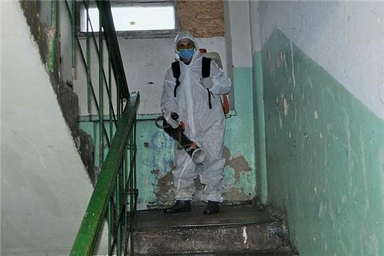 Продолжается дезинфекция многоквартирных домов в Вурнарах
