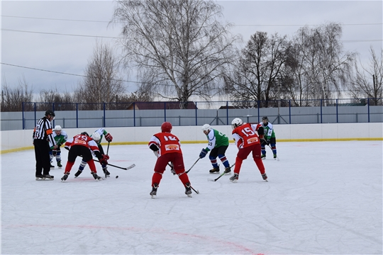 """Хоккей на льду ФСК """"Присурье"""": г.Ядрин-пгт.Вурнары. Со счетом 1-0 победу одержал г.Ядрин"""