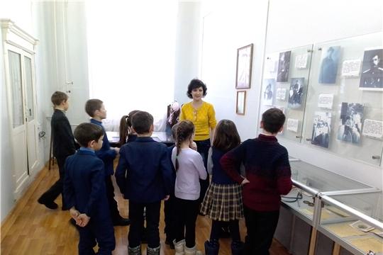 Группа дневного пребывания Ядринского КСЦОН побывала в художественно-краеведческом музее