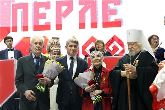 Состоялось вручение первых медалей «100 лет образования Чувашской автономной области»