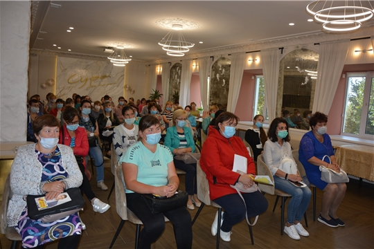 Поздравление работников Ядринского РАЙПО со 100-летием со дня образования Чувашпотребсоюза