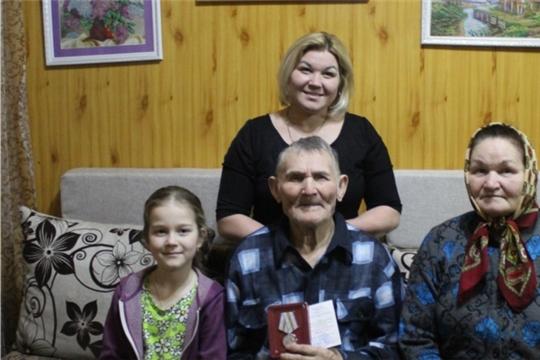 В Кильдюшевском сельском поселении ветеранам вручили юбилейные медали «75 лет Победы в Великой Отечественной войне 1941-1945 гг.»