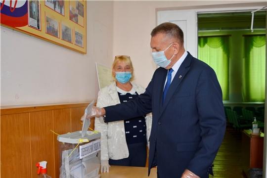 Глава администрации Яльчикского района Николай Миллин принял участие на выборах