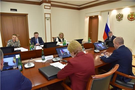 Олег Николаев поручил следить за соблюдением эпидемиологических требований на избирательных участках