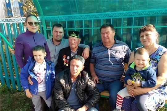 90-летие отметил труженик тыла, житель деревни Ишмурзино-Суринск Фарит Рахимович Фасхутдинов
