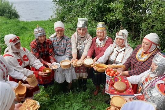 Великий обряд жертвоприношения «Аслă чÿк» по древнему обычаю у озера Аль