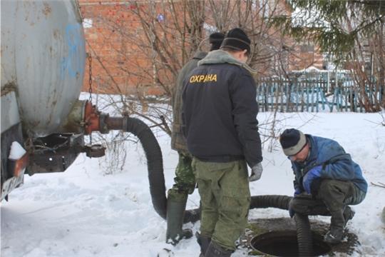В поселке Опытный выполнены работы по чистке канализационных сетей