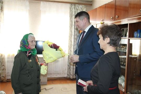 Глава администрации Цивильского района Игорь Николаев вручил участникам войны медали в честь 75-летия Победы