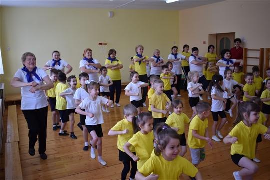 Группа здоровья в рамках проекта «Фитнес – Star! Долголетие в наших руках» провела мастер-класс в детском саду №7 «Солнечная страна»
