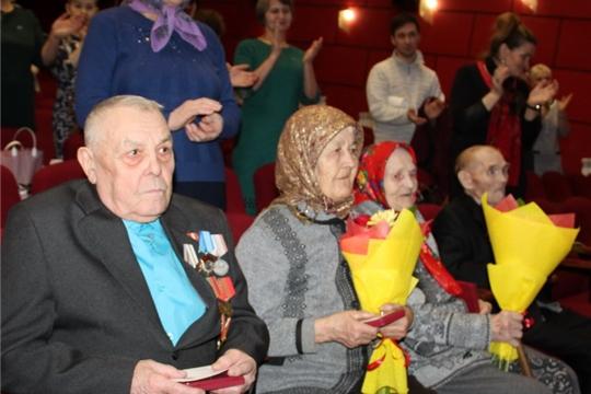 В районе продолжается вручение юбилейных медалей «75 лет Победы в Великой Отечественной войне 1941-1945 гг.»