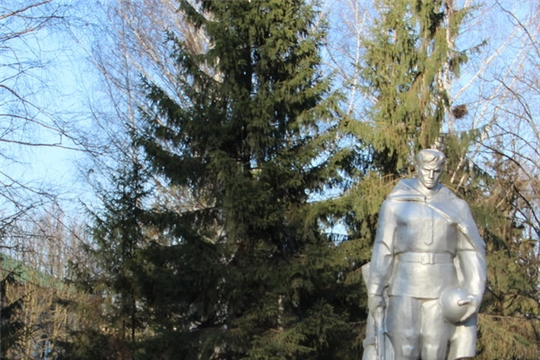 В Сквере Победы г. Цивильска начались ремонтные работы в рамках подготовки к празднованию 75-летия Победы в Великой Отечественной войне