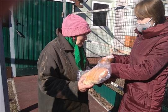 Специалисты БУ «Цивильский ЦСОН» посещают получателей социальных услуг не реже 3 раз в неделю