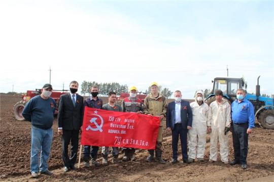 В Цивильском районе наградили передовых механизаторов, водителей и полеводов,  участвующих в весенне-полевых работах