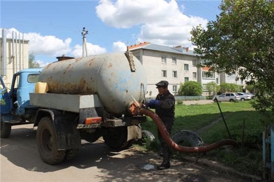Работниками МАУ «Опытный» проведена плановая работа по очистке канализационных колодцев