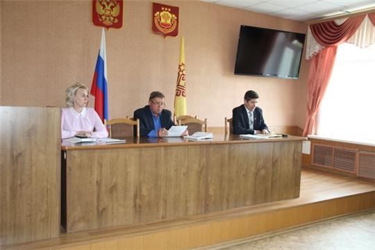 Глава администрации Цивильского района провел рабочее совещание по актуальным вопросам недели